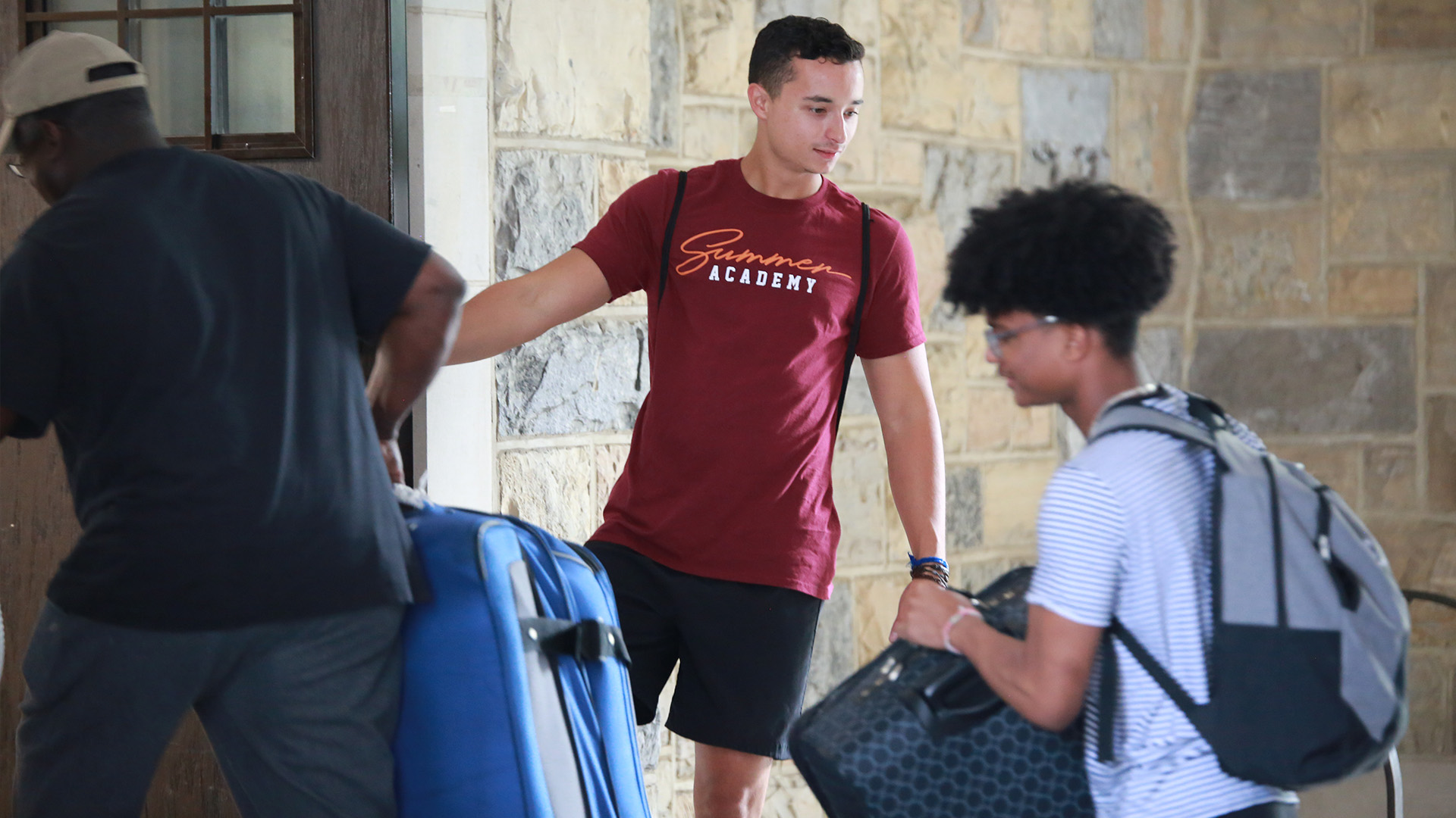Virginia Tech Summer Academy Students moving in